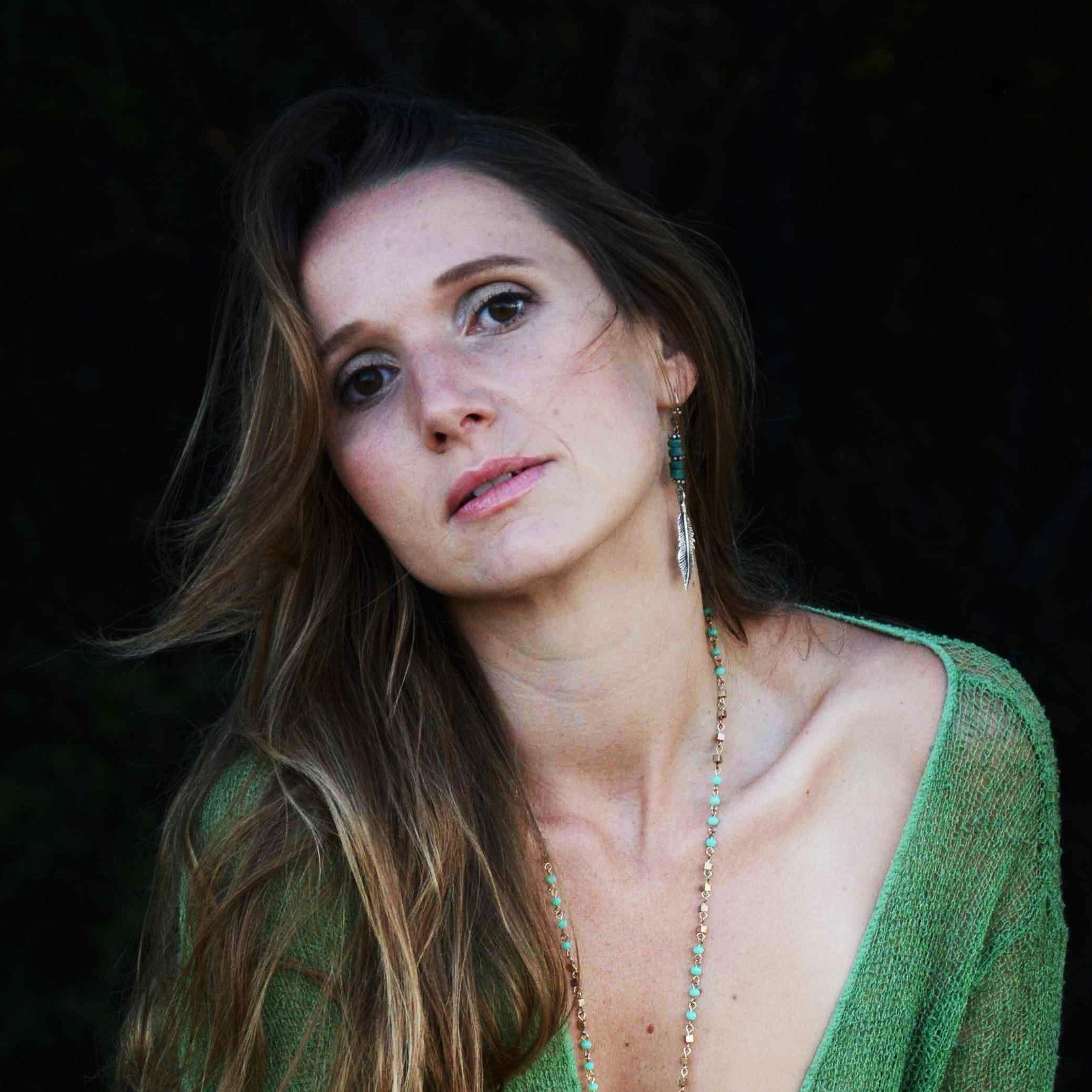 Wivvica Singer Songwriter Author